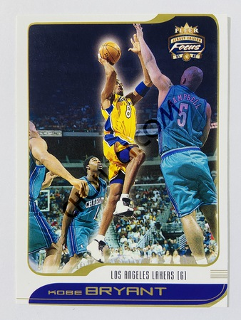Kobe Bryant - Los Angeles Lakers 2001-02 Fleer Focus Jersey Edition #9