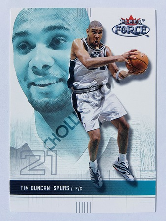 Tim Duncan - San Antonio Spurs 2001-02 Fleer Force #21